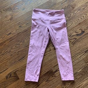 Like New light pink Capri workout leggings medium